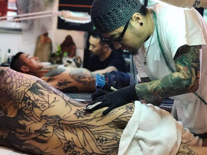 tattooist in Japan
